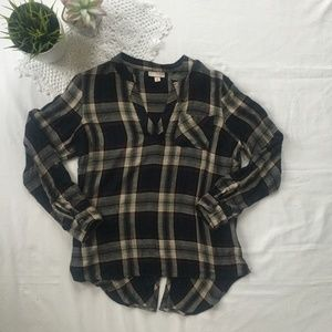 Established 1962 V Neck Flannel